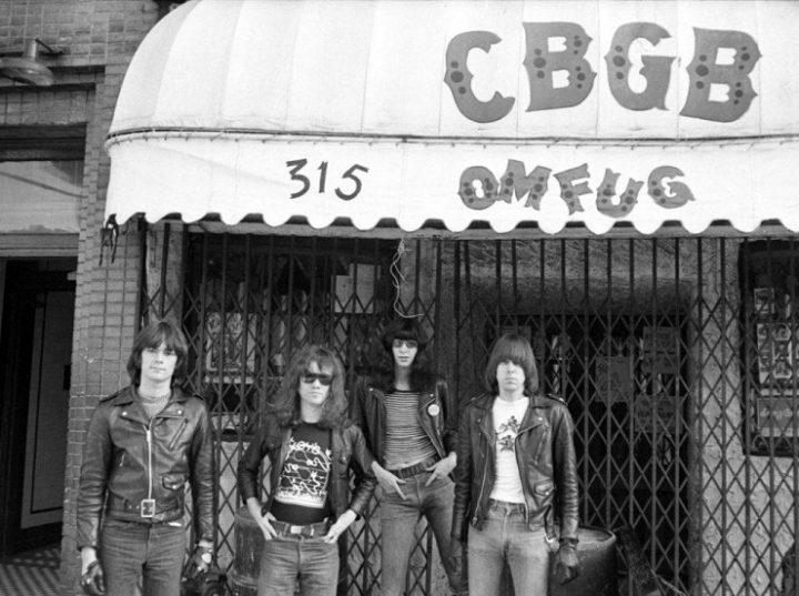 The Ramones devant le CBGB