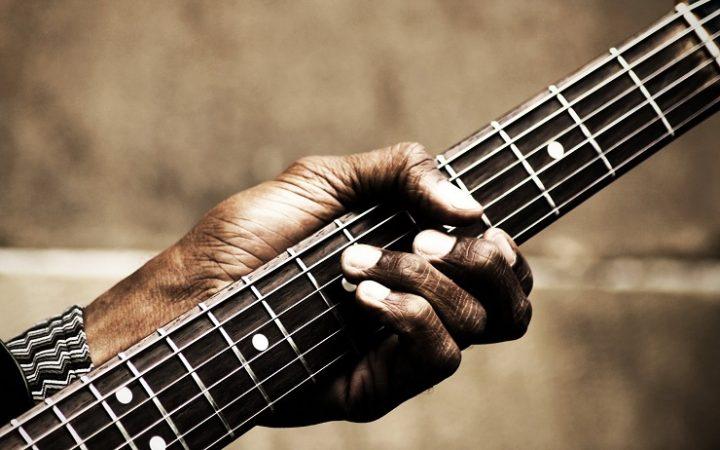 blues guitar palyer